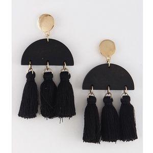 Jewelry - Black and Gold Tassel Drop Earrings